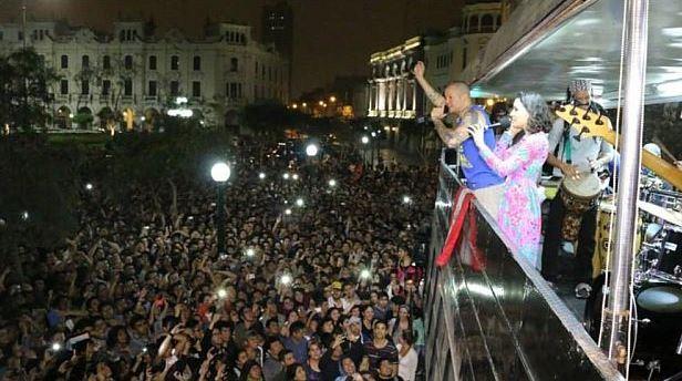 Calle 13 ofreció concierto improvisado