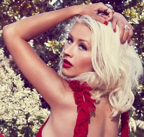 Christina Aguilera imita a Britney Spears en el Tonight Show