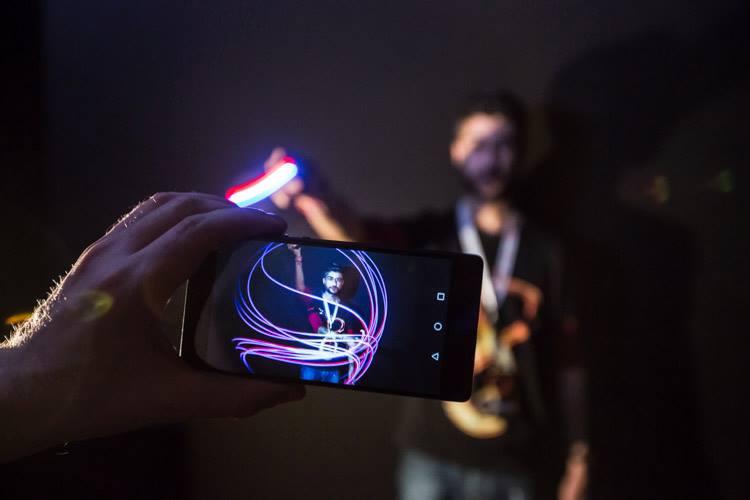 Huawei salta a la contienda con el P8