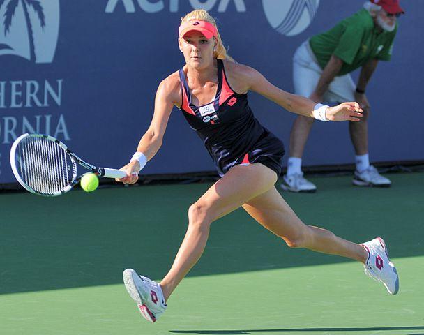 Agnieszka Radwanska asalta el top cinco