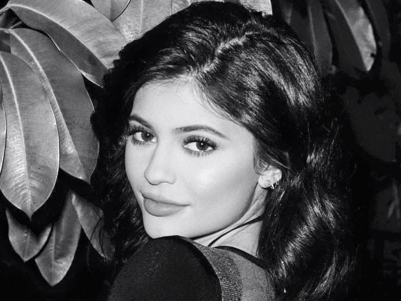 Kylie Jenner lucha con un fanático que invade su casa