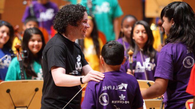 Gustavo Dudamel se vuelve viral en Internet
