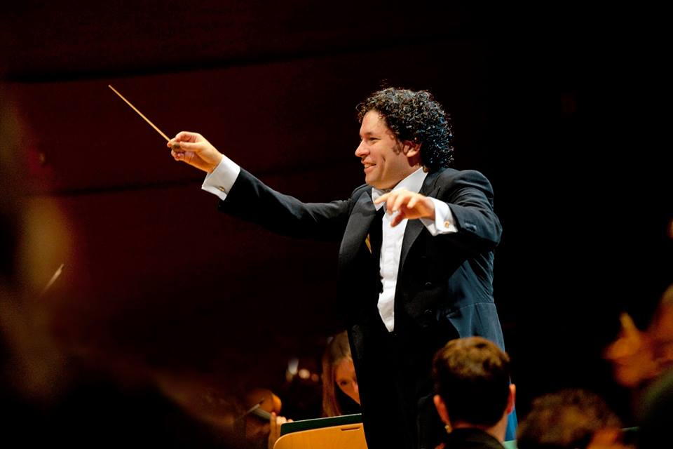 Gustavo Dudamel estará en el Super Bowl