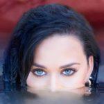 Katy Perry sigue los pasos de Orlando Bloom