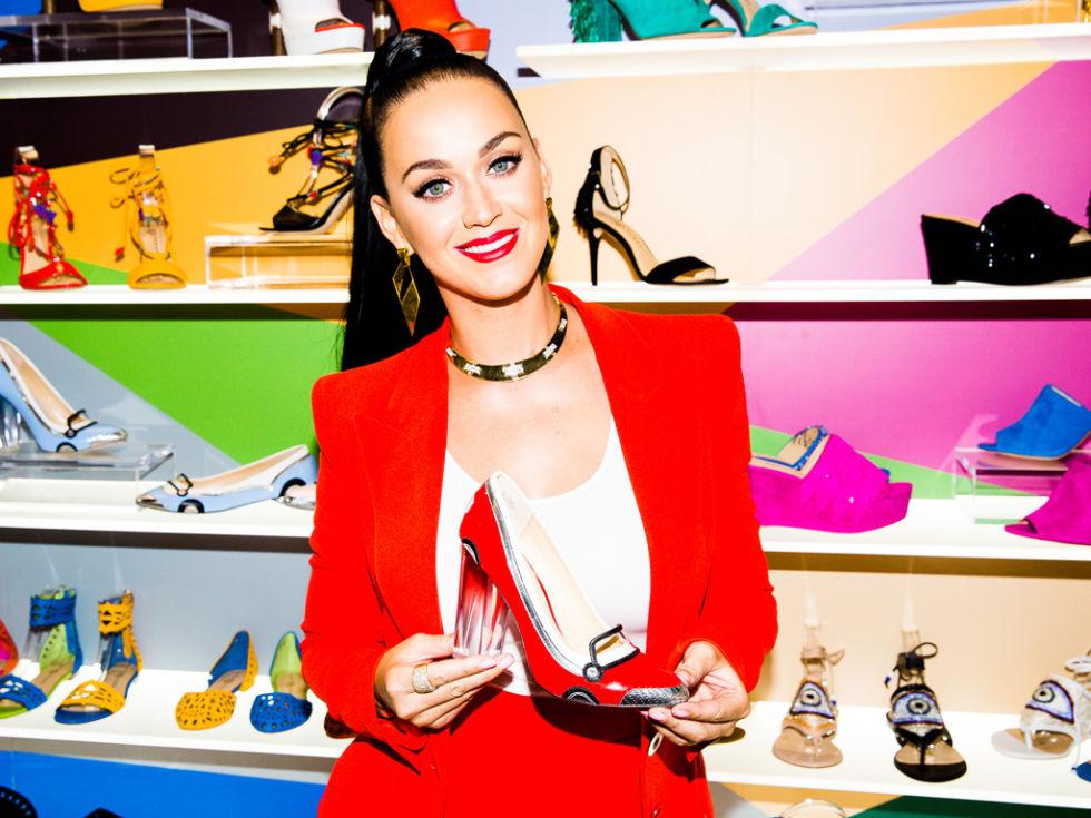 Katy Perry se suma al negocio del calzado