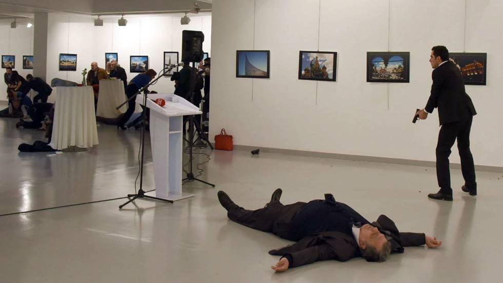Video muestra momento cuando hombre asesina a embajador ruso