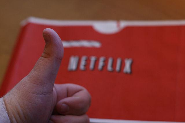 Netflix te permite guardar sus contenidos en memorias microSD