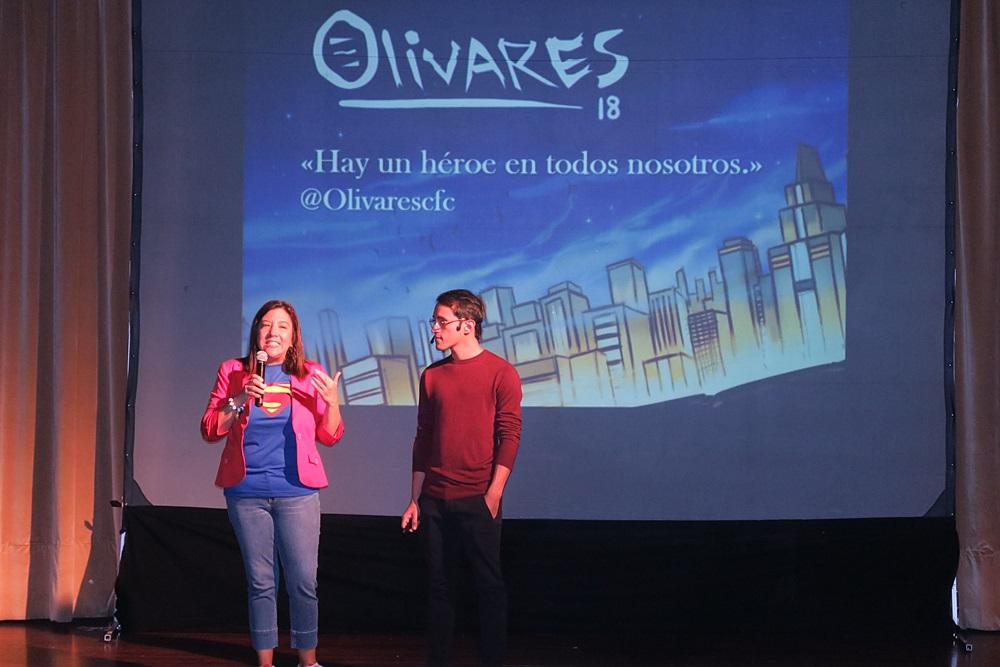 Diego Ricol Charla Hay un heroe en todos nosotros con Oscar Olivares
